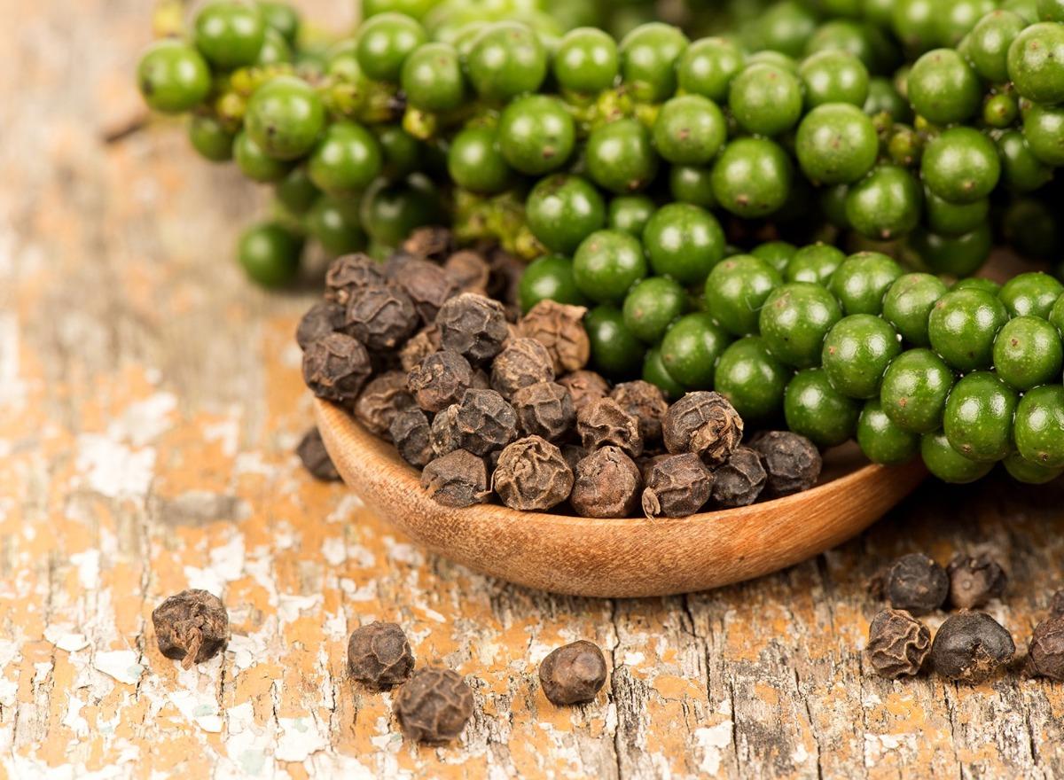 Piperyna z pieprzu czarnego